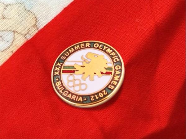 免费设计_定制_奥林匹克运动会2012年金属徽章样版