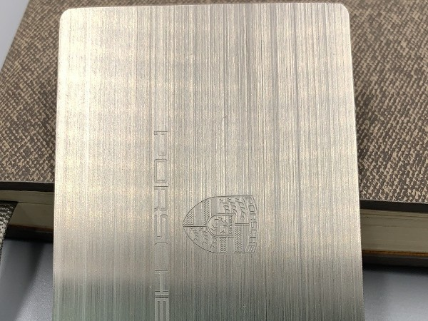 什么是拉丝金属卡