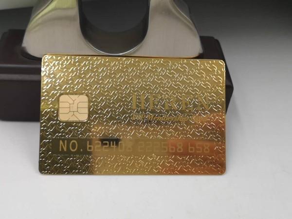 镀金的金属名片定制不可忽略公司的设计能力