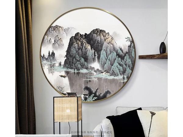 在客厅挂金属挂画需要注意客厅挂画方位