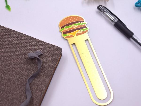 免费设计_定制_创意汉堡金属书签样版