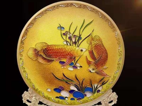 景泰蓝如鱼得水圆盘