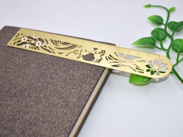 免费设计_定制_腐蚀镂空金属书签定样版