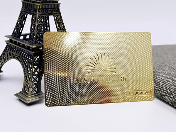 华为----铜材腐蚀电镀金色会员卡定制案例